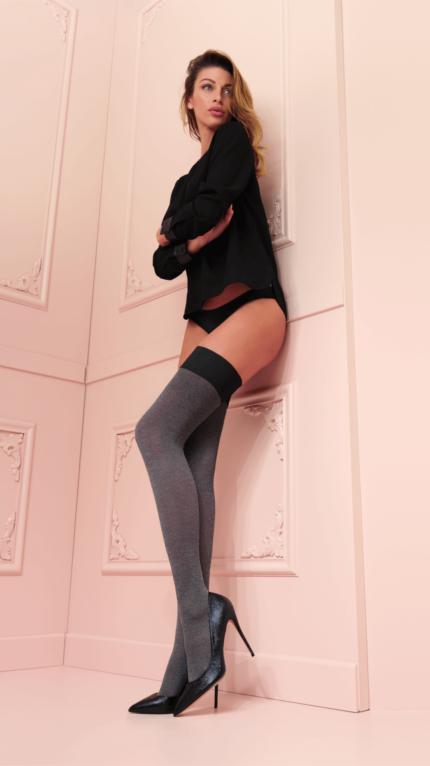 Sexy Melani autoreggente 00073